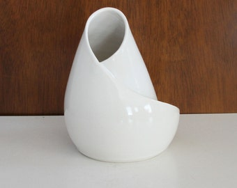 Mid Century Inspired White Porcelain Sculpture - Conversation Piece in White No. 9 - Modern Art Sculpture