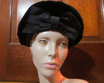 20% OFF Vintage 1950's 1960's Black Velvet Hat with Big Bow Gothic Lolita