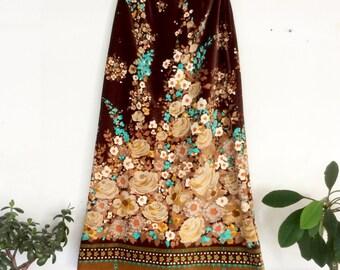 Velvet Maxi Skirt. 70s Vintage Floral Skirt. Long, Chocolate Brown Folk Art Flower Print Skirt. Bohemian Clothing, Fall. Small / Medium.