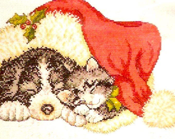 Under Santas Hat Cat and Dog Xmas Scene counted cross stitch Kit unopened Finished sz 9 X 12 Design Works 5421 Kathy Smith design Needlework