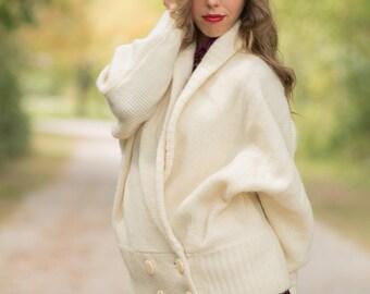 Vintage Ivory Cocoon Sweater Wrap (Size Medium/Large)