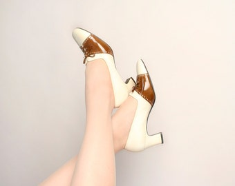 Vintage 1960s Spectator Shoes - Oxfords Saddle Shoe Style Heels - Chocolate Brown and White 60s Heels - Size US 8