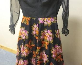 Vintage Womens Black Floral Full Legnth Formal Evening Dress US size 10 UK size 12 1960's - 1970's