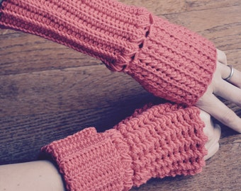 Crochet Pattern - Reversible Fingerless Gloves