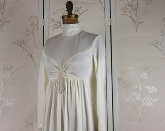 vintage 1970s MOD Bohemian Wedding Dress with dramatic, beaded veil -  size small to medium