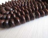 Brown rondelle wood beads , Exotic saucer wooden beads, Indonesian natural dark sono wood , 25 beads  5A-23
