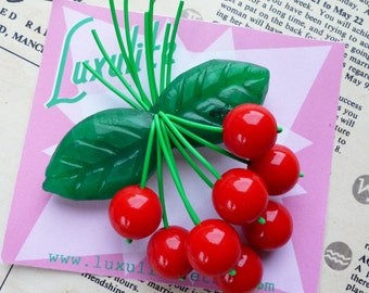 Classic Cherry leaf 1940s 50s bakelite fakelite style novelty brooch by Luxulite