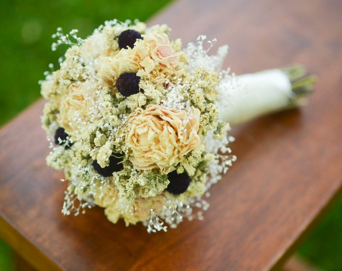 Cream and eggplant wedding
