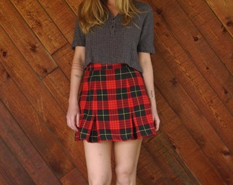 Red Plaid Pleated Mini Skirt with High Waist - Vintage 90s - XS S Petite