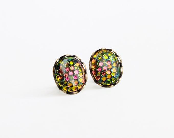Pink Green Stud Earrings Vintage Rainbow Iridescent Glass Post Earrings Vitrail Thousand Eyes Studs Hypoallergenic Rainbow Jewelry