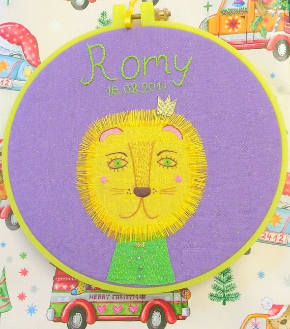 Personalized gift for children.Hand embroidery kids room name art.Custom embroidery with name and favourite animal for baby, kids