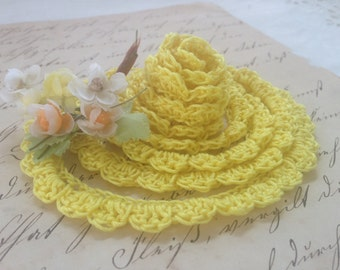 Nadine Hand Crocheted Scalloped Edging, Bright Yellow Crocheted Trim, Handmade Edging