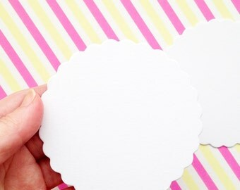 blank white scalloped circle paper coasters. thick paper cards. diy label hang tags. party embellishment. holiday scrapbooking. set of 20