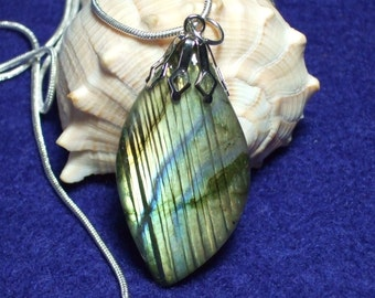 Labradorescence Exists Flash of Colours Labradorite Gemstone Pendant Necklace Sterling Silver Chain