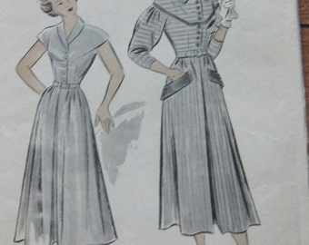 Vintage 50s Hollywood pattern B521 Misses Dress sz 18  B36 front closing waist neck and sleeve variations Unprinted pattern