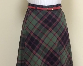 1970s Vintage Plaid Skirt - Forest Green Black Red and Blue Plaid A Line Skirt - Hipster - Back to School - Fall Winter - Holiday - 28 Waist
