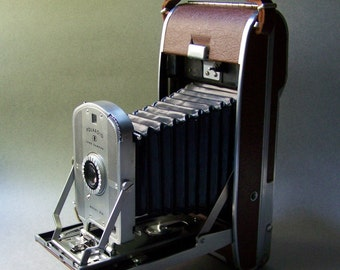 Vintage Polaroid Land Camera ~ Model 95A ~ w/ Lens Kit