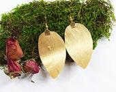 BIRCH BARK Gold Leaf Earrings, Nature Jewelry, Woodland Wedding, Nature Earrings, Bridesmaids, Garden Wedding, Weddings, Bohemian, Fairytale