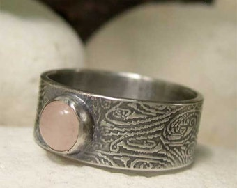 Wide Band Rose Qartz Ring, Sterling Silver Round Natural Gemstone Ring, Oxidized Rustic Hippy Ring, Pink Stone Ring, Bohemian Silver Jewelry