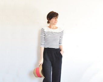 classic black St. John knit pant . high fashion Marie Gray signature trouser .small.medium
