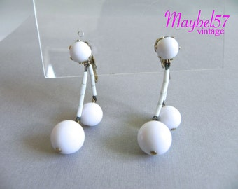 Vintage 50s White Glass Bead Earrings - 1950s White Glass Dangle Drop Earrings