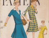 Vogue 9550 / Vintage 50s Sewing Pattern / Skirt Blouse Top / Size 14 Bust 34