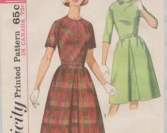 Simplicity 5564 / Vintage 60s Sewing Pattern / Dress / Size 14 Bust 34
