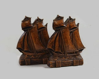 Vintage - Bookends - Syroco Wood - Ships