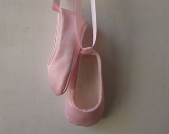 Baby Girl Shoes . Baby Ballerina Shoes .  Baby Ballet Slippers . Infant Ballet Shoes . Newborn Ballet  Flats . Booties . Crib Shoes