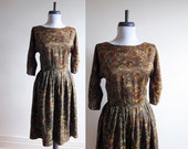Vintage 1950s Dress / Dark Autumn Floral Tea Dress / Size Small / Extra Small