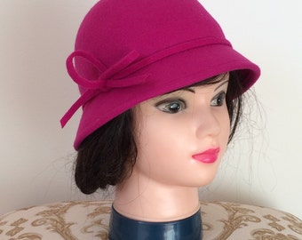 Vintage Girl's Hot Pink 80s 90s Does 20s Wool Winter Cloche Hat