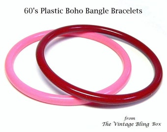 60s Mod Bangle Bracelets in Pink & Dark Cherry Color for Small to Medium Wrist - Vintage 60's Lucite Plastic Costume Jewelry Sets