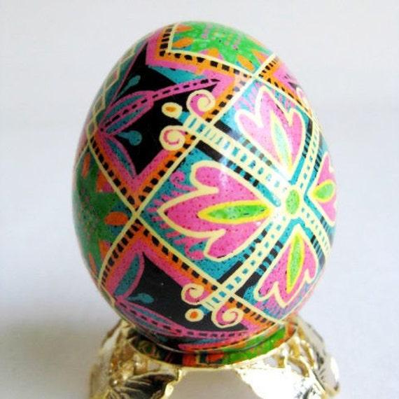 Pysanka batik egg on chicken egg shell Ukrainian Easter egg hand painted egg ornament