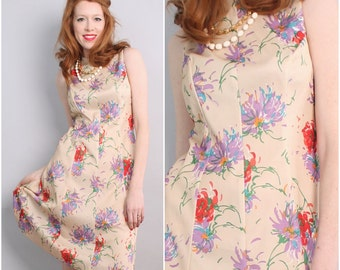 1960s's Vintage Floral Dress / 60's 70's flair dress Chrysanthemums / Size Large