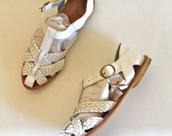 vintage leather t-strap shoes - CHALK WHITE braided flats / sz 7.5