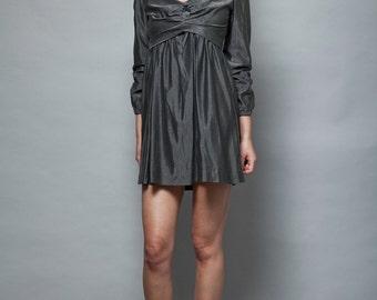 MOD empire mini dress babydoll vintage 1960s metallic gray long sleeves S (D9-4)