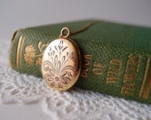 vintage locket / oval flower 12k gold-filled locket necklace with chain ... signed Sturdy for JFSS Co. 1930s-40s