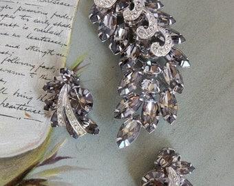 WEISS Signed Gray Leaf Brooch & Earrings Set w/ Pavé Ribbon Accents    NCJ31