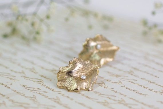 Gold studs ,Bridal Stud Earrings ,Gift For Women, Pearl Wedding Earrings,Gold Studs Pearl Earrings ,Leaf Earrings, Gold Leaf Earrings Pearls
