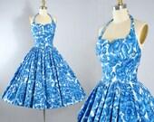 Vintage 50s Dress / 1950s Blue Navy ROSE PRINT Sundress Oversize Roses White Cotton HALTER Top Full Circlle Skirt Pinup Garden Party S Small