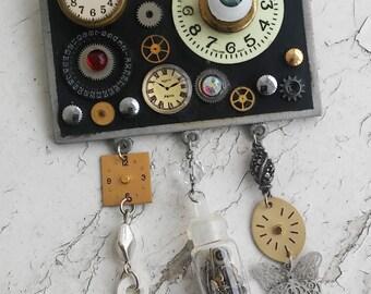 Halloween Steampunk Lovely Spooky Clockwork Spare Parts Pin Glow in the dark Eye Ball Clock Face Gears Clock Hands Jewelry Pin Brooch