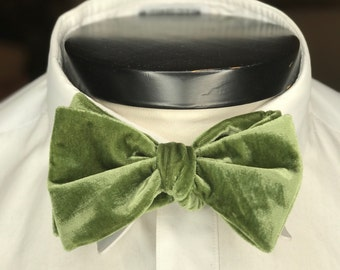 The Glasgow - Our big bowtie in Fern Green Velvet