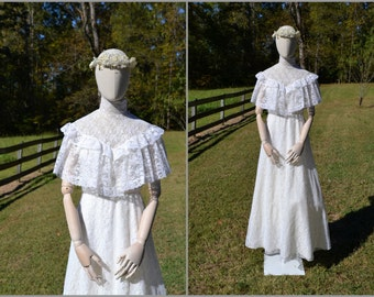 1970s White Lace Ruffled Wedding Dress