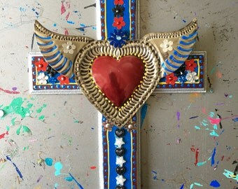 Sacred heart tin ornament ex voto on XL wooden cross / Mexican metal sacred heart milagro // OOAK art / Mexican Love heart wedding gift