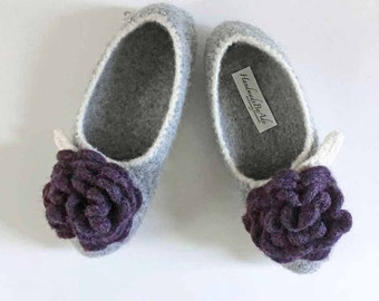 The Wool Felted Slippers - Slippers for Women - Felted Wool - Cream Gray and Purple / Dark Purple Flower / Big Flower / Gift for Mom / Lady