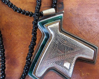 Tuareg Silver Khomeissa or Khomissar with Wood & Green Glass Inlay Necklace with Onyx Pearls