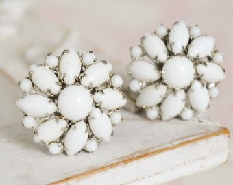 Vintage 1950s Clip-On Earrings in Silver and White Milk Glass by Weiss
