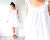 Vintage white night gown dress // lace nighty // white nightgown // summer white dress // muumuu dress // boho dress modest // sleeveless