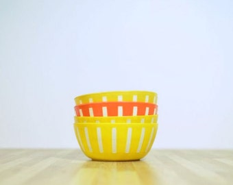 Vintage Cathrineholm Style Plastic Deka Bowls 4 1/2 Diameter by 2 Inches Tall Extra Small: Set of 4