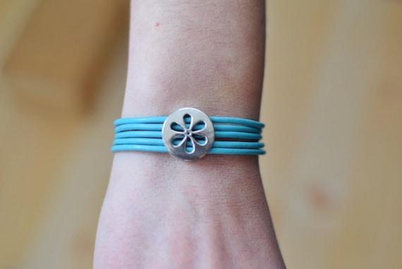 Girl bracelet, girl cuff,turquoise leather cuff,flower girl jewel,blue girl bracelet,girl jewelry,kids jewelry,small bracelet,blue girls